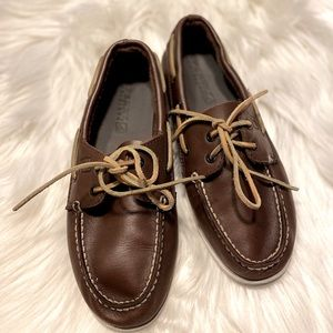Sperry brown boat shoes boys size 4